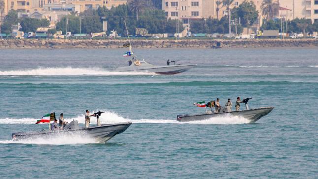 إيران تعلن الاستيلاء على سفينة إماراتية في مياه الخليج واحتجاز طاقمها