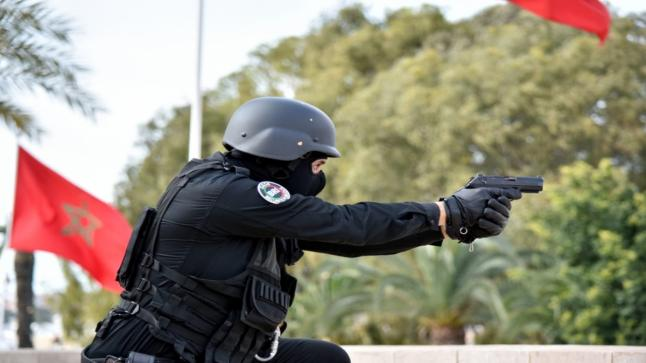 أمن القنيطرة يستخدم السلاح لإيقاف جانح خطير طعن والده في عنقه